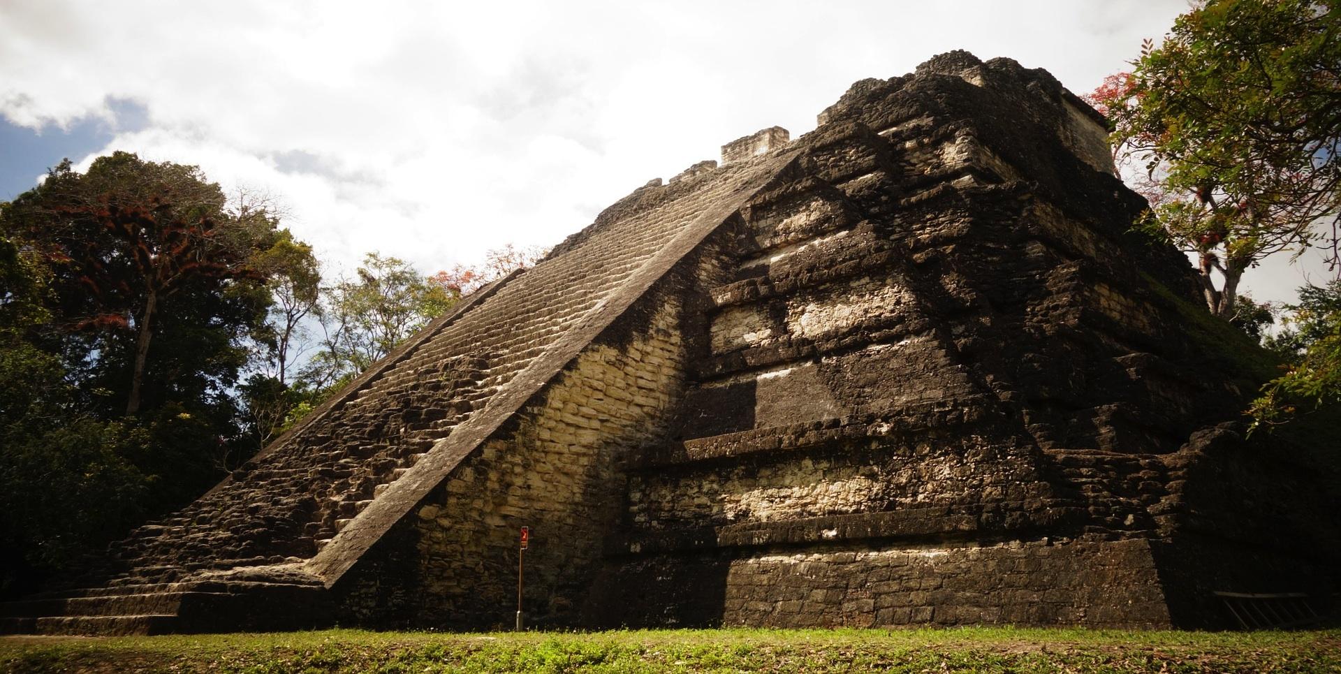 08-MayasMitologia-Sitio1