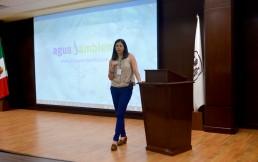 Ing. Rosa María Brena González en sesión de preguntas y respuestas